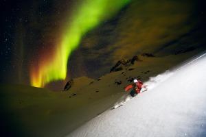 «NORTHERN LIGHT SKIING» FREDRIK SCHENHOLM Suecia GANADOR EDICIÓN 2013 Y ALPINISMO Y OTROS DEPORTES DE ALTA MONTAÑA Edición 2013